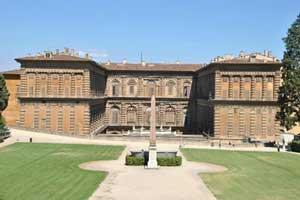 آشنایی با قلعه تاریخی و زیبای پیتی در ایتالیا (تصاویر)