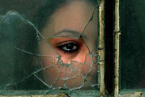 جنجالی که عکسی از حمام دختر فلسطینی به پا کرد!!