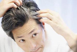 چندین ماسک گیاهی برای از بین بردن سفیدی مو