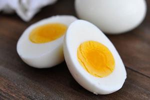 چگونه یک تخم مرغ سالم را تشخیص دهیم
