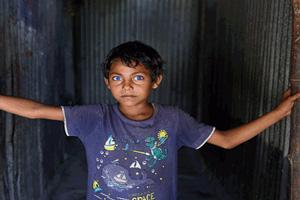 چشمان زیبای پسر بنگلادشی همه را حیرت زده کرد!!