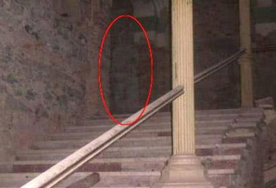 حمله عجیب مردم مصر به خانه جن ها!! (عکس)