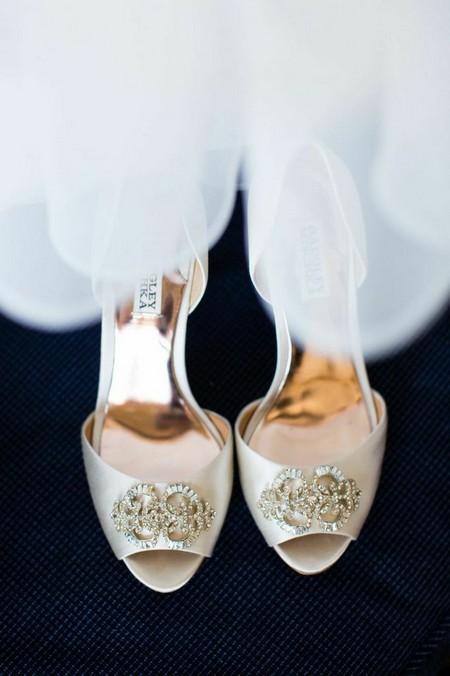تصاویری از کفش عروس با مدل های خاص