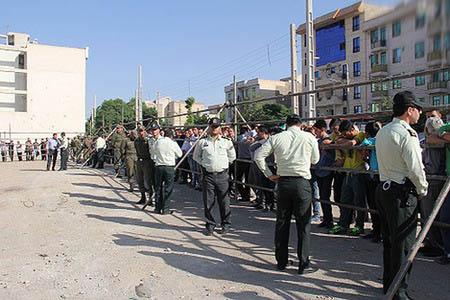 آدمخوار کرجی در ملأعام شلاق خورد (عکس)