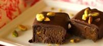 شیرینی پستهای با روکش شکلات