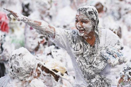 تصاویر داغ از پارتی جنجالی دختر و پسرهای تایلند (عکس)