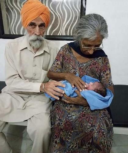 زایمان باورنکردنی این پیرزن در سن 70 سالگی (عکس)
