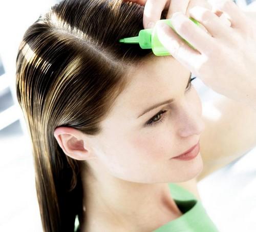نکاتی درباره ی شستشوی موهای چرب