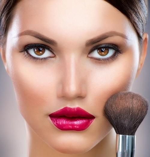 پوست چرب و راز دوام آرایش بروی آن