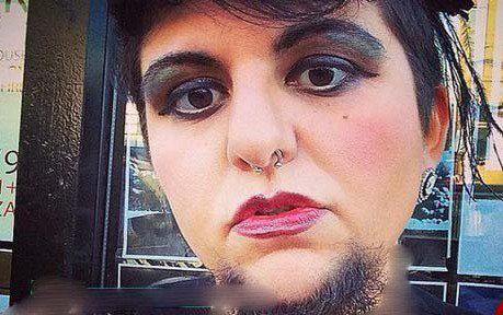 این زن به آرایش کردن ریش هایش علاقه دارد (عکس)  این زن به آرایش کردن ریش هایش علاقه دارد (عکس) 32 10
