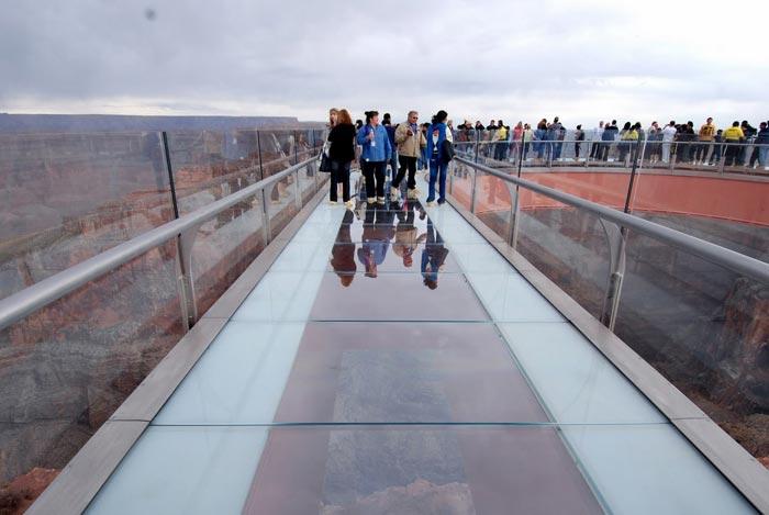 عکس های پل شیشه ای برفراز دره گراند کانیون آمریکا