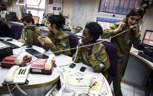 خدمت سربازی باورنکردنی دختران در اسرائیل (عکس)  خدمت سربازی باورنکردنی دختران در اسرائیل (عکس) 49 9