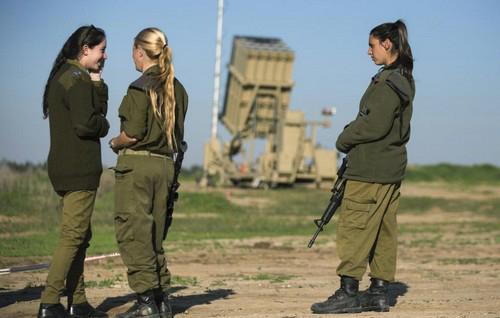 خدمت سربازی باورنکردنی دختران در اسرائیل (عکس)  خدمت سربازی باورنکردنی دختران در اسرائیل (عکس) 50 9
