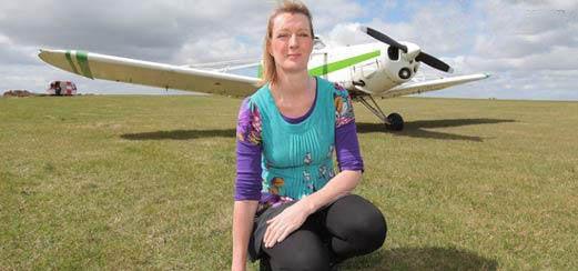 این خانم اگر پرواز نکند حالش بد میشود (عکس)  این خانم اگر پرواز نکند حالش بد میشود (عکس) 9 6