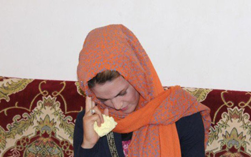 چشمان این زن نخ می سازد (عکس)  چشمان این زن نخ می سازد (عکس) 146539892024261 irannaz com
