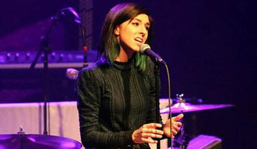 به قتل رسیدن این خواننده زن بعد از کنسرتش (عکس)