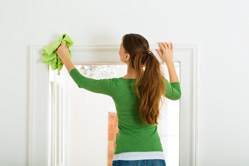 مراقبتهای پوستی هنگام خانه تکانی