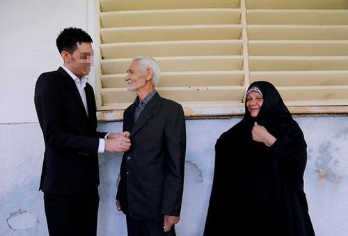 عکس هایی از مراسم عقد یک اعدامی در زندان
