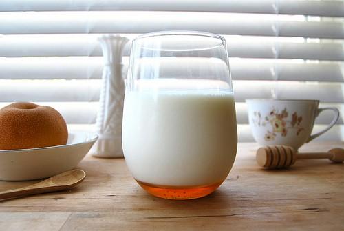 به جای شیر، شیر عسل میل کنید!!