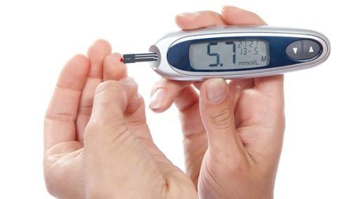 آیا افراد مبتلا به دیابت نباید روزه بگیرند؟