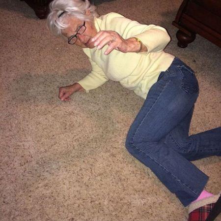 عکس های سلفی جنجالی پیرزن 86 ساله در اینستاگرام
