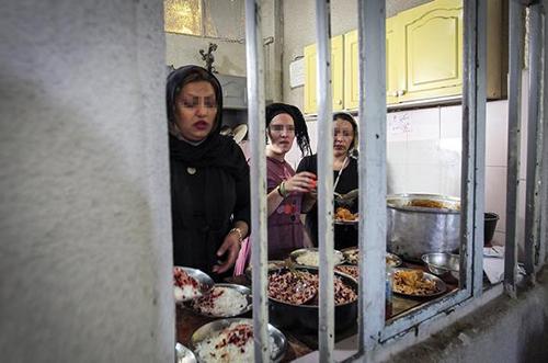عکس های دیده نشده از کمپ ترک اعتیاد زنان ایرانی