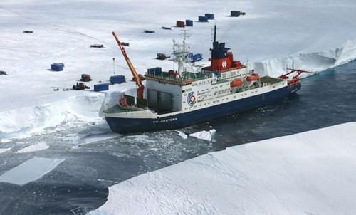 عکس های جالب از بزرگترین کشتی های یخ شکن جهان