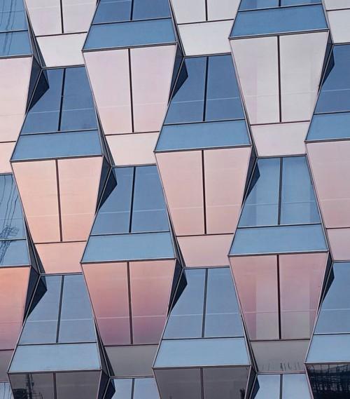 ساخت زیباترین آسمان خراش در پکن (عکس)