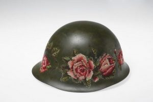هنرنمایی دیدنی با کلاه سربازی آقایون (عکس)