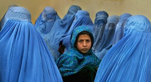 تصاویر دردناک از زخمهایی بر تن زنان افغان  تصاویر دردناک از زخمهایی بر تن زنان افغان 17 1