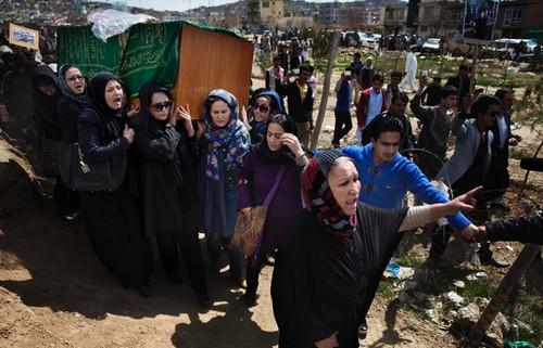 تصاویر دردناک از زخمهایی بر تن زنان افغان  تصاویر دردناک از زخمهایی بر تن زنان افغان 18 1