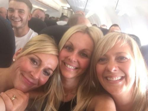 اتفاق عجیب در گرفتن عکس سلفی در هواپیما (عکس)