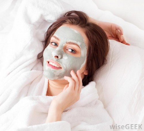 از بین بردن لک های صورت با ماسک های طبیعی