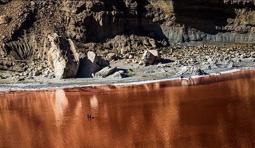 عکس های باورنکردنی از سرخی دریاچه ارومیه