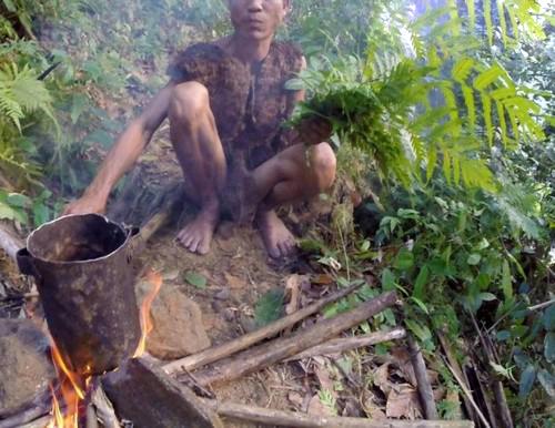 زندگی جنجالی 40ساله این پدر و پسر در جنگل (عکس)