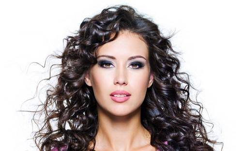 این راهکارها به تقویت مو شما کمک می کند!!  این راهکارها به تقویت مو شما کمک می کند!! 146866576112365 irannaz com