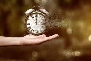 سهراب سپهری و شعر زیبای ساعت
