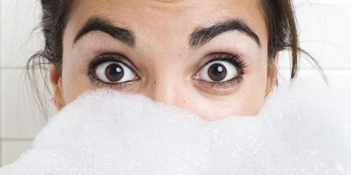 با این روش ابرو خود را در خانه تمیز کنید