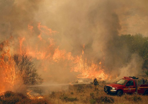 عکس های ترسناک از آتش سوزی در شمال لس آنجلس