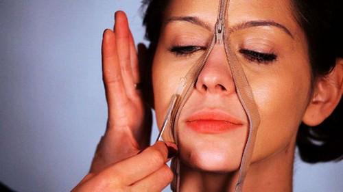 از اثرات آرایش بر پوست خود چه می دانید؟