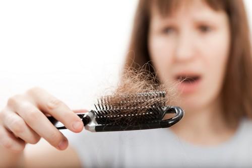 با یک برنامه غذایی ریزش مو خود را کنترل کنید