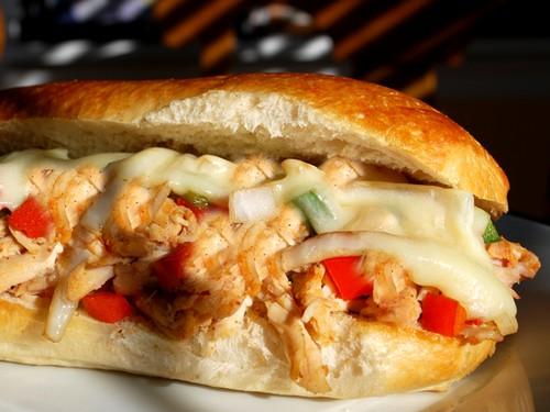 طرز تهیه ساندویچ مرغ خوشمزه با پنیر