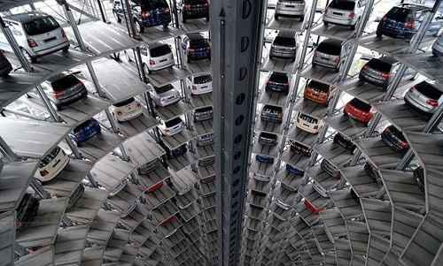 عکس هایی از زیباترین و مجلل ترین پارکینگ های دنیا