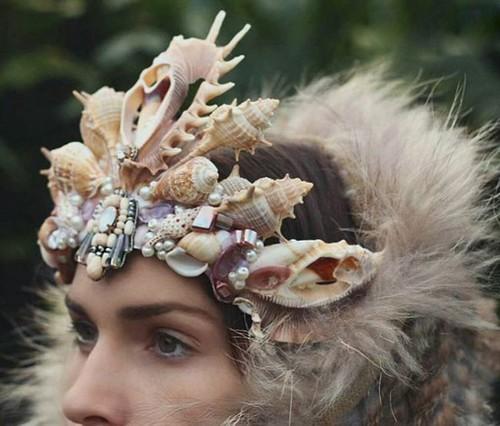 عکس هایی از تاج سر عروس ساخته شده با صدف