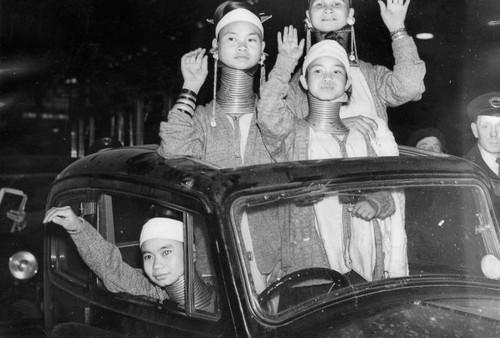 عکس های عجیب و باورنکردنی از زنان گردن دراز
