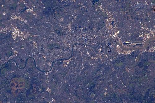 عکس های دیده نشده از کره زمین از فاصله ی دور