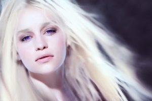 به موهای سفید خود دست نزنید!!