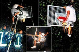 گیر کردن بسکتبالیست معروف در سبد بسکتبال (عکس)