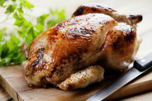 بدون فر یک مرغ شکم پر خوشمزه درست کنید!