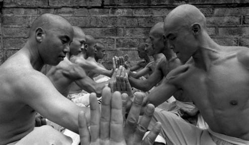 عکس های باورنکردنی از تمرینات راهبان چینی